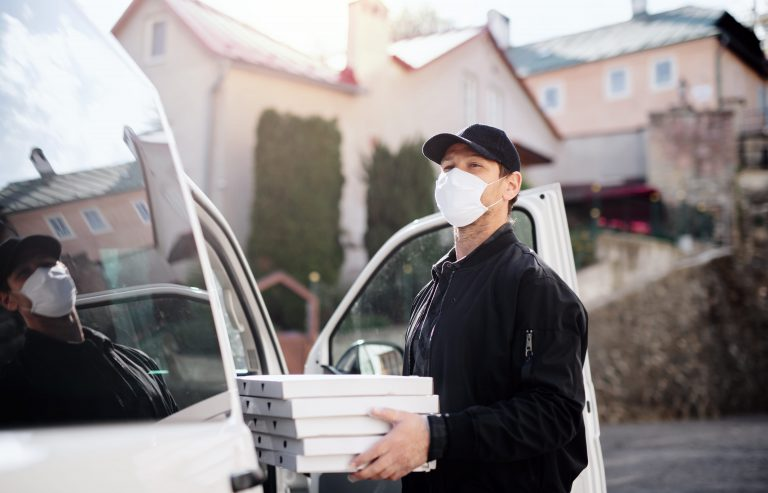 The Big Dilemma: 3rd Party Delivery vs. In-House